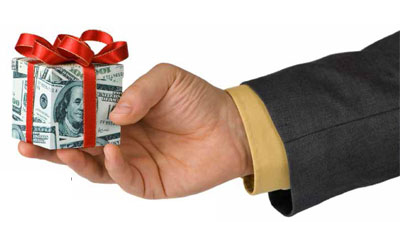 Give Frugal but Fantastic Holiday Gifts